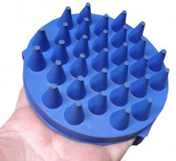 Rubber Curry Comb - Circular with handle